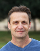 Ариэль Бар, офтальмолог хирург