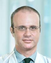 Тамир Фритш, ортопед хирург