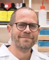 Бенджамин Декель, нефролог